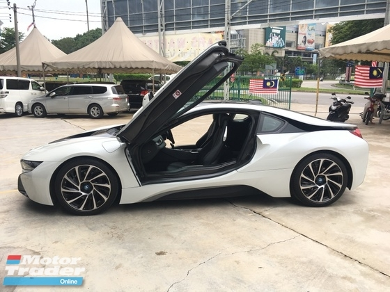 2016 BMW I8 1.5 e-Drive L3 Turbocharged + Hybrid Synchronous Motor 360 Camera Pre-Crash Intelligent LED Headlight Multi Function Paddle Shift Steering Zone Climate Control Unreg