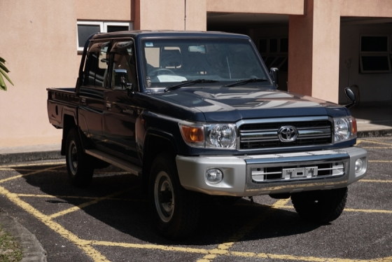 2014 TOYOTA LAND CRUISER 30th ANNVSRY / 5 SPEED MANUAL / PICK UP TRUCK / 4WD