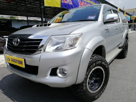 2012 TOYOTA HILUX 3.0 AUTO 4X4 4 -New Tyre Radar -Canopy