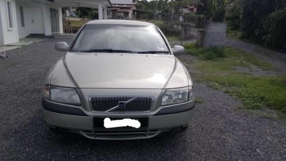 2001 VOLVO S80 2.5T SE