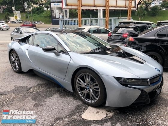 2015 BMW I8 1.5 e-Drive Turbocharged + Hybrid Synchronous Motor Harman Kardon Sound System 360 View Camera Head Up Display Adaptive Intelligent LED Multi Function Paddle Shift Steering Drive Selection Pre Collision Safety Unreg