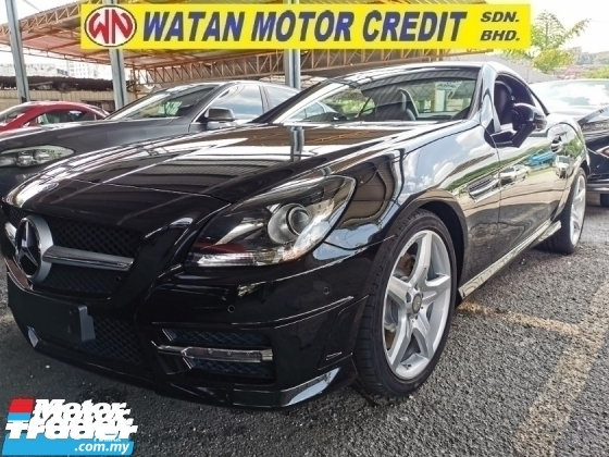 2015 MERCEDES-BENZ SLK 200 AMG 2.0 CC BENZ 45 GEARKNOB.UNREG.NO HIDDEN CHARGE.HIGHSPEC.MOONROOF.PADDLE SHIFT.RED LINER LEATHER BUCKET SEAT.ORI AMG KIT N RIM.AND ETC.FREE WARRANTY N MANY GIFTS