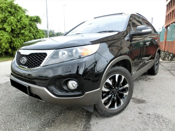 2011 KIA SORENTO 2.4 (A) F-LOAN / PUSH START / LEATHER SEAT / SUN ROOF / TIPTOP INTERIOR AND EXTERIOR LIKE NEW / 1 OWNER