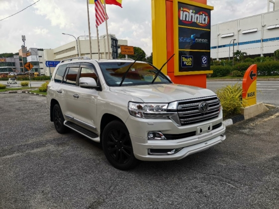 2016 TOYOTA LAND CRUISER GENUINE MILEAGE. NEW CAR CONDITION.  LANDCRUISER 4.6 ZX FULL SPEC. PRADO CAYENNE SPORT VELAR VOGUE LAND CRUISER