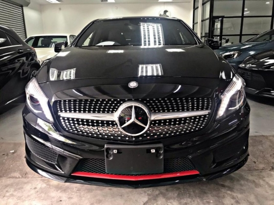 2014 MERCEDES-BENZ A250 4 MATIC AMG SPEC - PANAROMIC ROOF SPECIAL PROMOTION BAGI JADI JAA