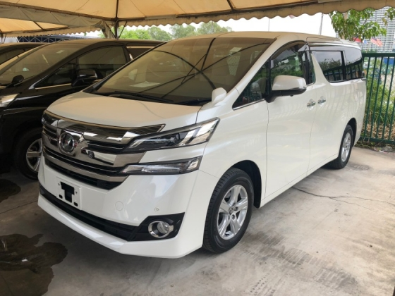 2016 TOYOTA VELLFIRE 2.5 2AR-FE 7-Speed 2WD Adaptive Bi LED Power Door Smart Entry Push Start Button Multi Function Steering 3 Zone Climate Control 9 Air Bags Unreg