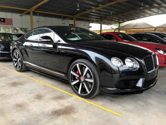 2015 BENTLEY GT CONTINENTAL GT Coupe V8 S 4.0 Twin Turbocharged 528hp Mulliner Package Smart Entry Push Start Button Bi Xenon LED Light Memory Air Cond Seat Multi Function Paddle Shift Steering Lift Suspension Breitling Analogue Reverse Camera Automatic Power Boot Unreg