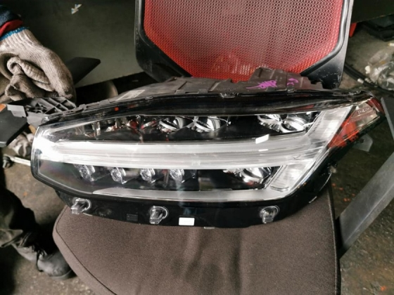 VOLVO XC90 HYBRID HEAD LAMP SET Lighting
