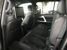 2016 TOYOTA LAND CRUISER 4.6 ZX V8 Petrol Modelista Fully Loaded