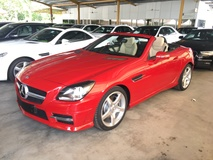 2014 MERCEDES-BENZ SLK SLK200 CGi AMG Sport 7GTronic BlueEfficiency Panoramic Roof Multi Function Paddle Shift Steering LED Sport Bucket Seat 6 Disc Changer Dual Zone Climate Control Auto Cruise Control Bluetooth Connectivity 1 Year Warranty Unreg