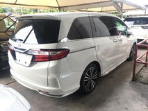 2013 HONDA ODYSSEY RC2 2.4 Absolute Edition iVTEC Earth Dreams Direct Injection Adaptive Intelligent Bi LED Lighting System 7 Seat 2 Power Doors Power Seat Multi Function Paddle Shift Steering Push Start Button Dual Zone Climate Control Auto Cruise 1 Year Warranty