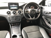 2015 MERCEDES-BENZ CLA CLA 180 CGi AMG Sport 7GDCT New Facelift Distronic Plus PreCrash BiXenon Memory Seats Unreg