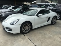 2013 PORSCHE CAYMAN 2.7 New Model 981 DualClutch 7Speed PDK Transmission 272hp PCM Sport Mode Selection Multi Function Paddle Shift Steering Bucket Seats Bi Xenon LED Lights Automatic Spoiler Dual Zone Climate Control Cruise Control Bluetooth Connectivity 1 Year Warranty