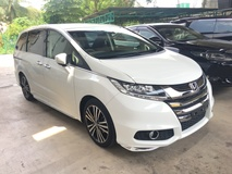 2013 HONDA ODYSSEY RC2 Absolute 2.4 iVTEC 7 Seat 2 Power Door