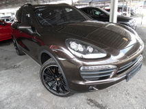 2012 PORSCHE CAYENNE 4.8 S V8 SUNROOF  HISPEC