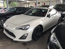 2013 TOYOTA 86 GT 86 2.0 Boxer D4S 200hp 6 Speed LSD VSC Sport Push Start Button HVAC Paddle Shift Steering