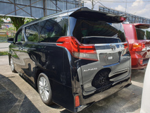2017 TOYOTA ALPHARD 2.5 Model SA SRoof Precrash
