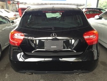 2013 MERCEDES-BENZ A-CLASS A180 CGi Turbocharged BlueEfficiency 7GDCT (7 Speed Dual Clutch Transmission) Distronic Bucket Seat Multi Function Paddle Shift Steering Dual Zone Climate Control Auto Cruise Control Bluetooth Connectivity Parktronic Reverse Camera 1 Year Warranty Unreg