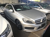 2013 MERCEDES-BENZ A-CLASS A180 AMG Sport CGi Turbocharge 7GDCT Distronic Plus PreCrash Memory Bucket Seat Multi Function Paddle Shift Steering Reverse Camera Blind Spot Indicator Daytime Running LED Xenon Light Bluetooth Connectivity 1 Year Warranty