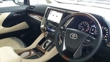 2015 TOYOTA VELLFIRE Toyota vellfire 3.5 executive lounge offer