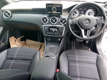 2013 MERCEDES-BENZ A-CLASS A180 1.6 Turbo Japan unreg