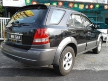 2006 KIA SORENTO 2.5  Brand New Leather seat  Sunroof  New Engine  4 New Suspension  Dvd