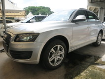 2010 AUDI Q5 2.0 TFSI 1 YEAR WARRANTY LOCAL AP MEMORY SEATS PUSH START CAMERA PADDLE SHIFT ELECTRIL SEATS