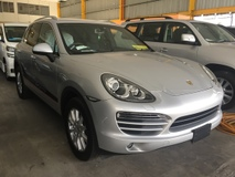 2011 PORSCHE CAYENNE UNREGISTERED