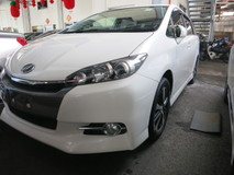 2014 TOYOTA WISH 1.8 S SPORT EDITION VALVE MATIC PADDLE SHIFT STEERING BI XENON HEADLAMPS  CLIMATE AIRCOND CONTROL REVERSE CAMERA DVD PLAYER 16 RIM 1 YEAR GMR WARRANTY LOCAL AP