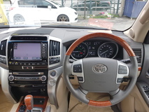 2014 TOYOTA LAND CRUISER ZX 60TH BLACK LEATHER SELECTION