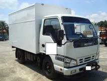 2011 ISUZU NHR55E BOX