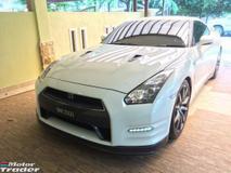 2013 NISSAN GT-R PREMIUM EDITION