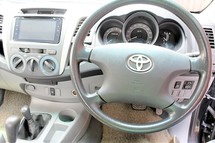 2011 TOYOTA HILUX DOUBLE CAB 2.5 GREED DIESEL (ACTUAL YR MADE 2011)