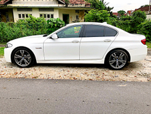 2011 BMW 5 SERIES 528I LEATHER PACKAGE
