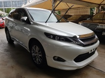 2015 TOYOTA HARRIER 2.0 Panoramic Roof Power boot Surround Camera Unregistered