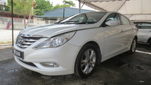2011 HYUNDAI SONATA RAYA OFFER  CBU MODEL WITH SUNROOF AND PUSH START