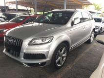 2014 AUDI Q7 3.0 TDi S-Line Quattro Turbocharged 245hp 8 Speed MMi 2 Automatic Power Boot 7 Seat Hi Low Adjust Suspension Multi Function Paddle Shift Steering Dual Zone Climate Control Daytime Running LED Xenon Bluetooth Connectivity Unreg