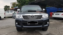 2015 TOYOTA HILUX 2.5 MT One lady owner