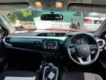 2017 TOYOTA HILUX DOUBLE CAB 2.5G (MT)