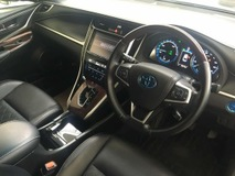 2014 TOYOTA HARRIER HYBRID 2.5 SUV 5 seater better fuel consumption