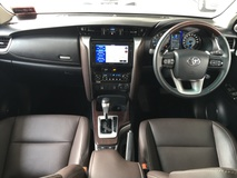 2017 TOYOTA FORTUNER 2.7V with Full Toyota Service Record