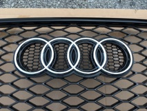Audi Q7 SQ7 Grille Convert RSQ7 Grill  Exterior & Body Parts > Car body kits