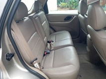 2005 FORD ESCAPE 2.3 XLT 4X4  POWER ROOF FULL LEATHER SEAT 1 LOVE CAR OWNER LIKE NEW CAR