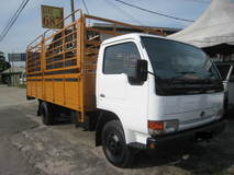2002 Nissan YU 41H4 Wooden Kargo Lorry with Tial Lift UBS 17ft