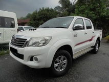 2013 TOYOTA HILUX  3.0 G VNT D-4D 4x4 Facelift TipTOP LikeNEW