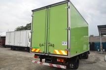 2013 HINO WU710R FIBRE BOX VAN BONDED C/W STAINLESS FLOORBOARD 14FT 5000KG 4009CC GREEN ENGINE
