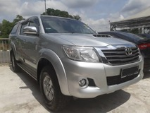 2015 TOYOTA HILUX DOUBLE CAB 2.5G (AT) VNT NEW FACELIFTED