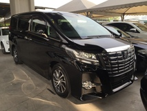 2015 TOYOTA ALPHARD 2.5 SC Edition 4 Surround Camera Pilot Memory Seat Automatic Power Boot 2 Power Doors Smart Entry Push Start Multi Function Steering 3 Zone Climate Pre Crash Intelligent Bi LED Bluetooth Connectivity 9 Air Bags Unreg