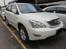 2011 TOYOTA HARRIER 2.4 L 240G (ACTUAL YR MADE 2011)