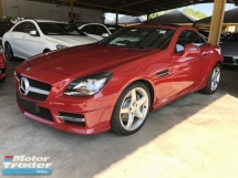 2014 MERCEDES-BENZ SLK SLK200 AMG Edition Turbocharged 7G-Tronic Panoramic Roof Multi Function Paddle Shift Steering Bucket Seat Dual Zone Climate Control Auto Cruise Control Bluetooth® Connectivity Unreg